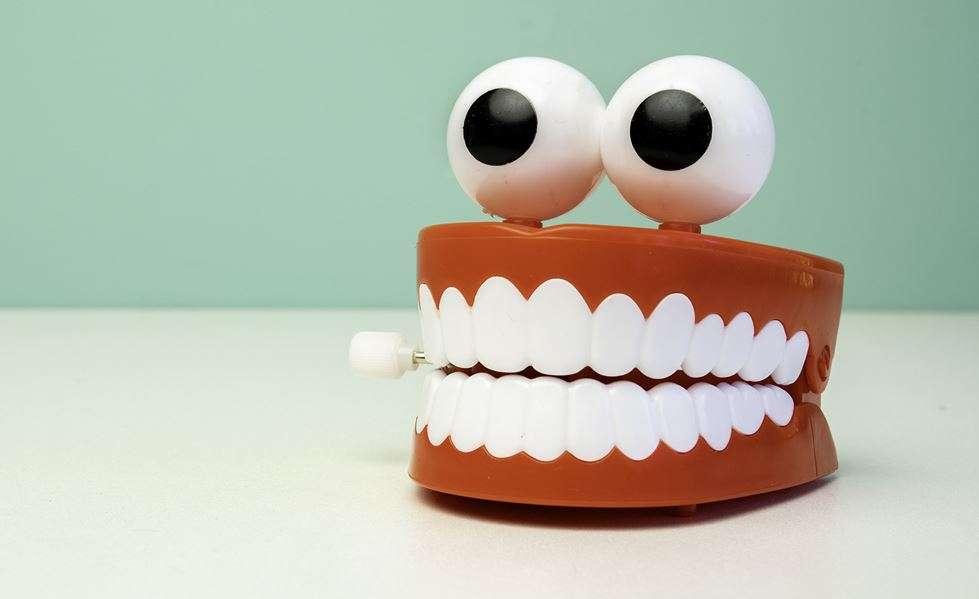 صرير الاسنان