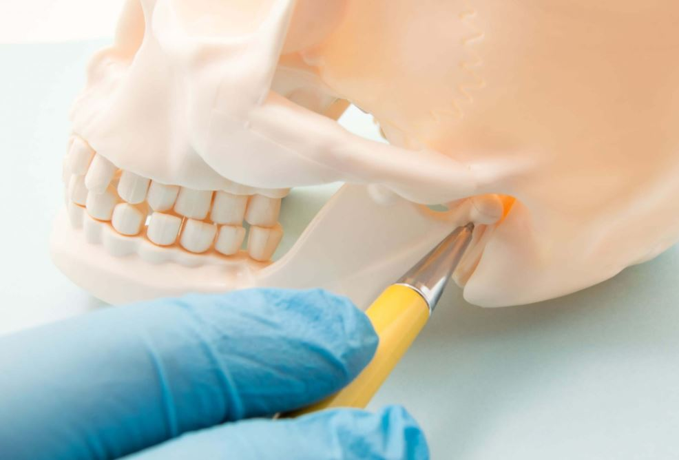 كيفية زراعة عظام الفك، وأسبابها وعوامل نجاحها وتكلفة العملية